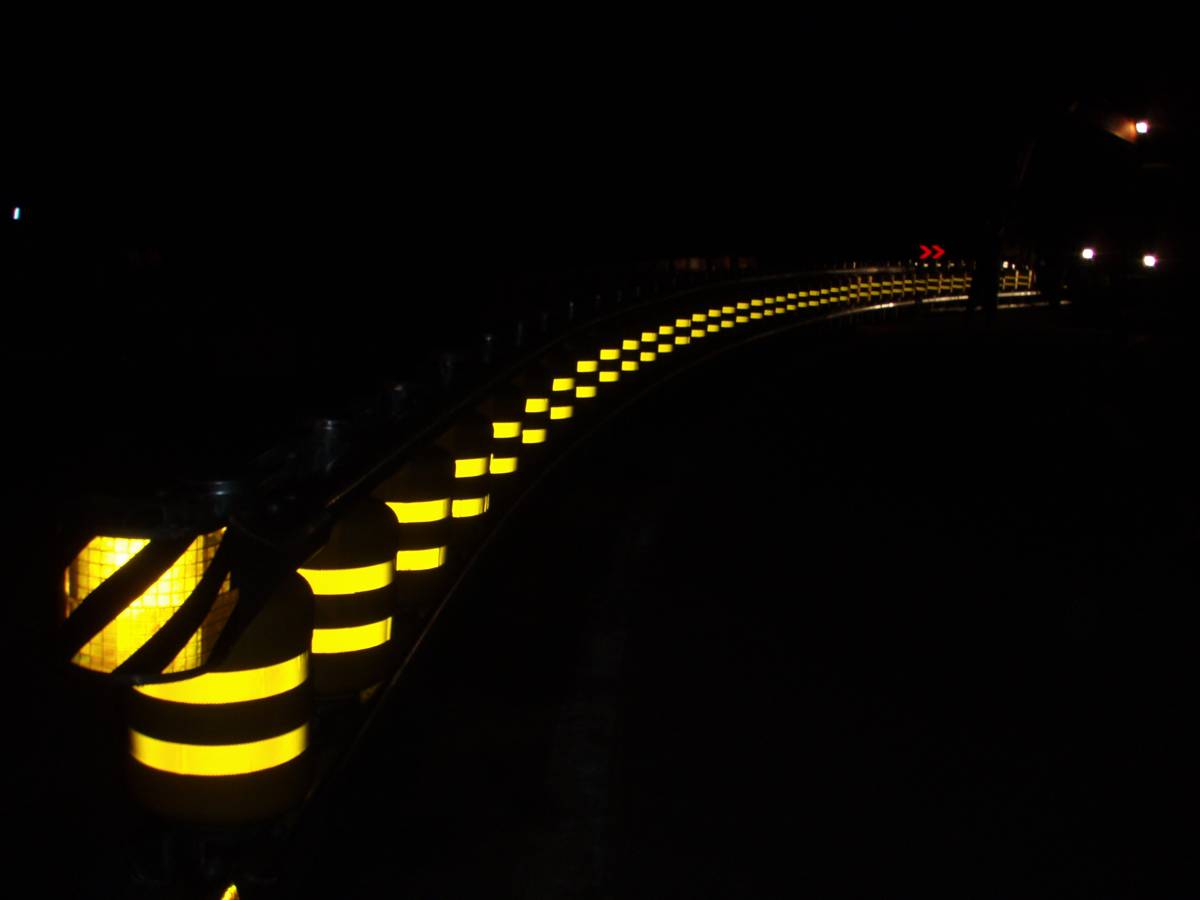 Korean Guardrail Safety Barrier System On A Roll To Safety