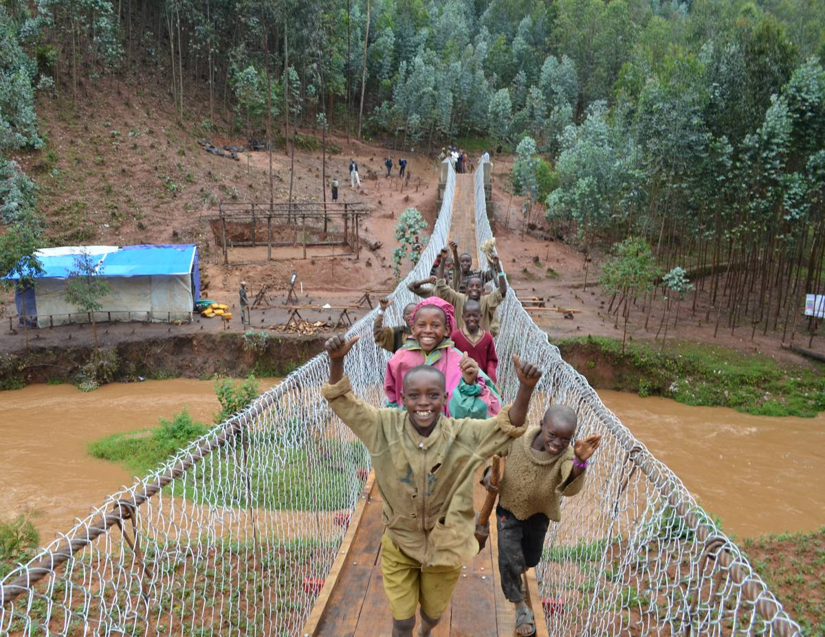 COWI Engineers build 60m footbridge for local community in Rwanda