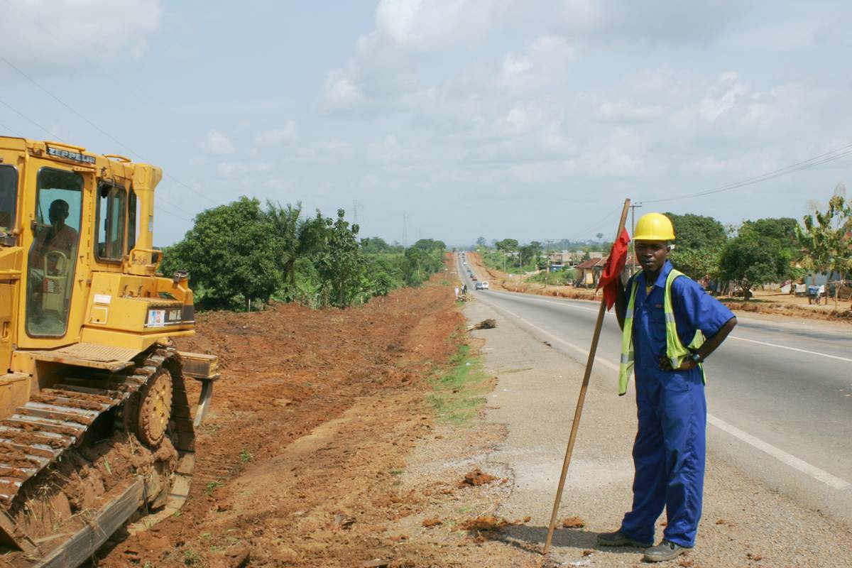 Kenya applies for financing for Kenya to Uganda road rehabilitation project