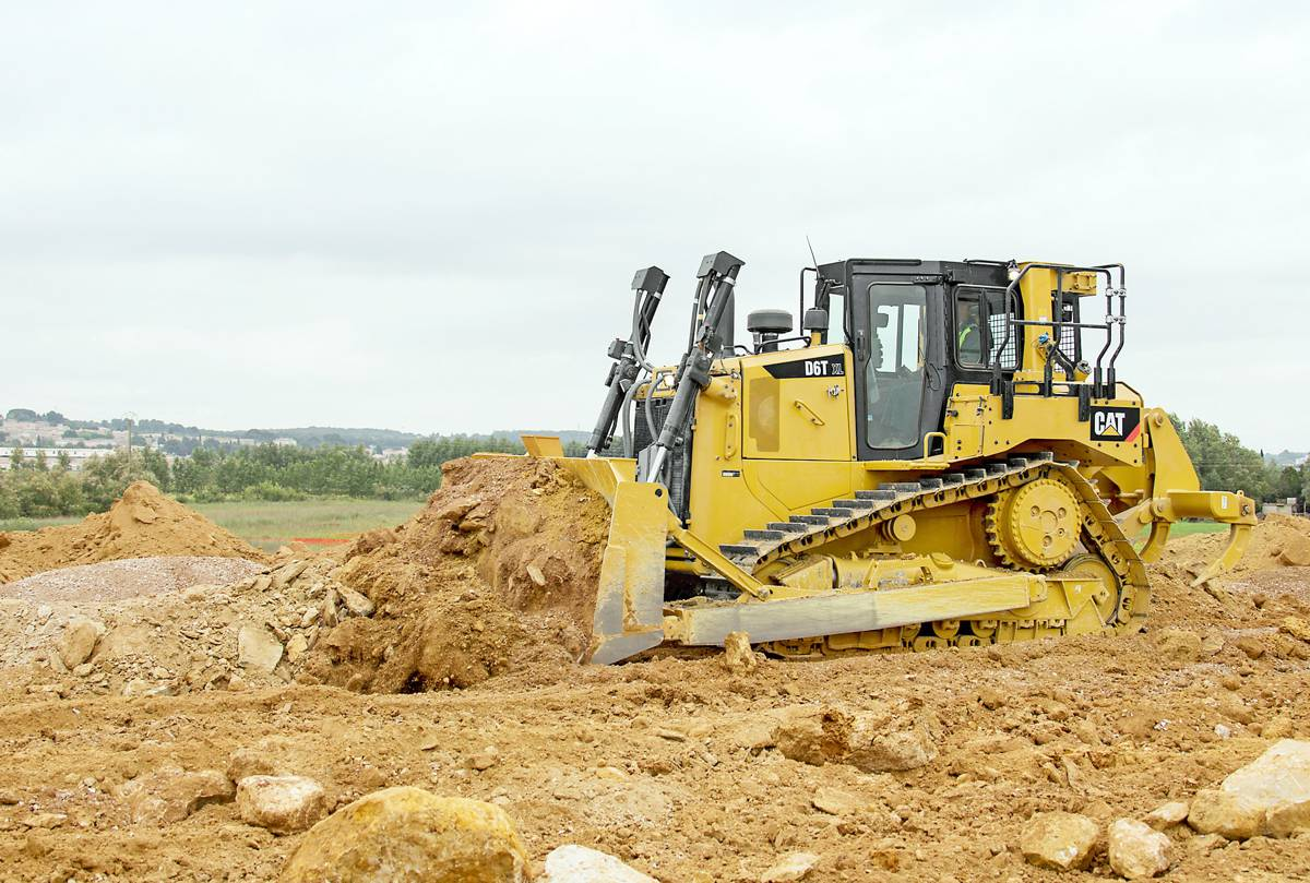 Cat® D6T Dozer delivers fuel efficiency, fully automatic