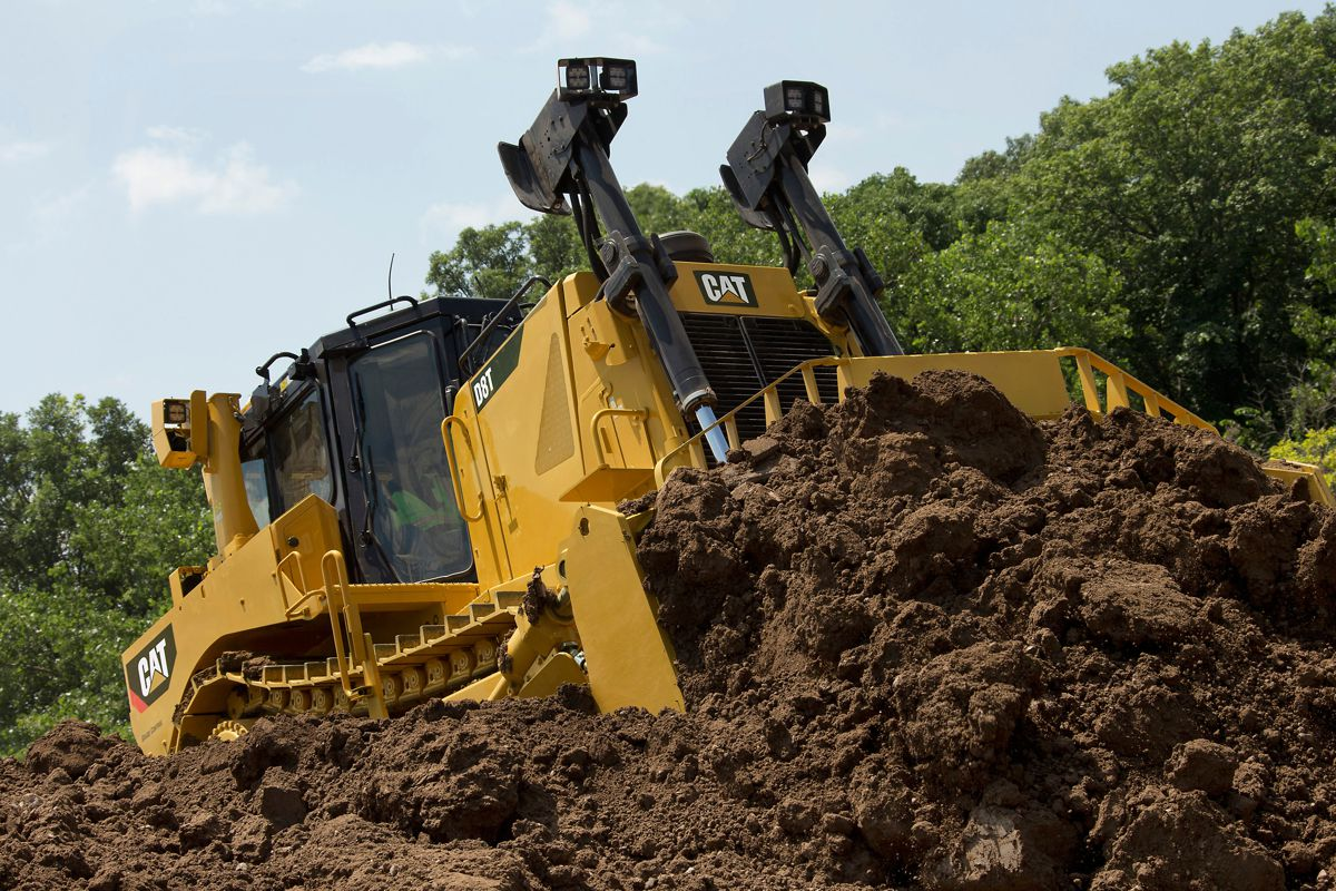 New optional features for Cat D8T Dozer increase productivity, deliver value