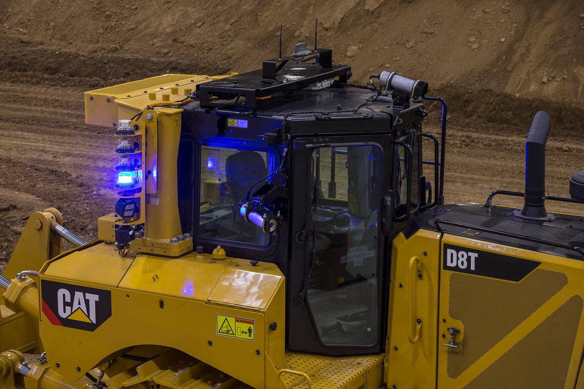 Caterpillar Bulldozer Controls : Caterpillar command for remote control operation of d t