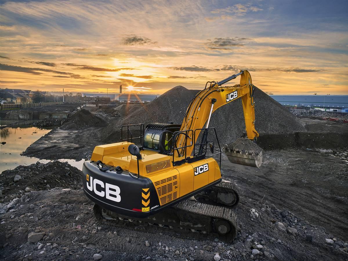 Rolls Royce MTU engines power JCB's new JS 300, 330 and 370 excavators