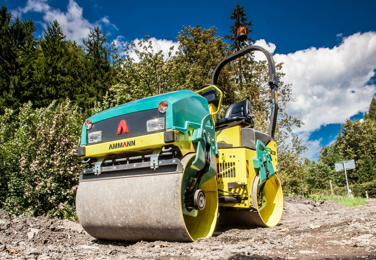 Sri Lanka relies on Ammann compaction equipment for provincial road project