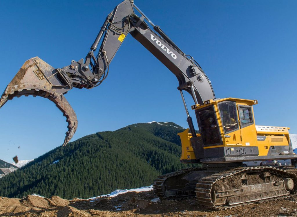 The Volvo EC300DL is proving to be the New Zealand lumberjack's best friend.