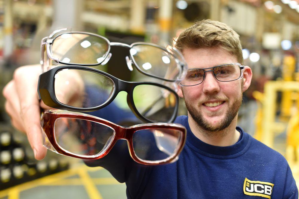 JCB set sights on new markets with prescription safety glasses thanks to Specsavers
