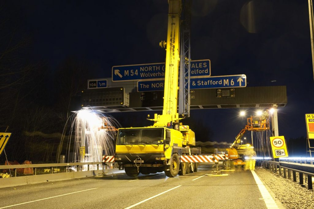 M6 gantry installation between M6 Junction 10 and 10a, Walsall