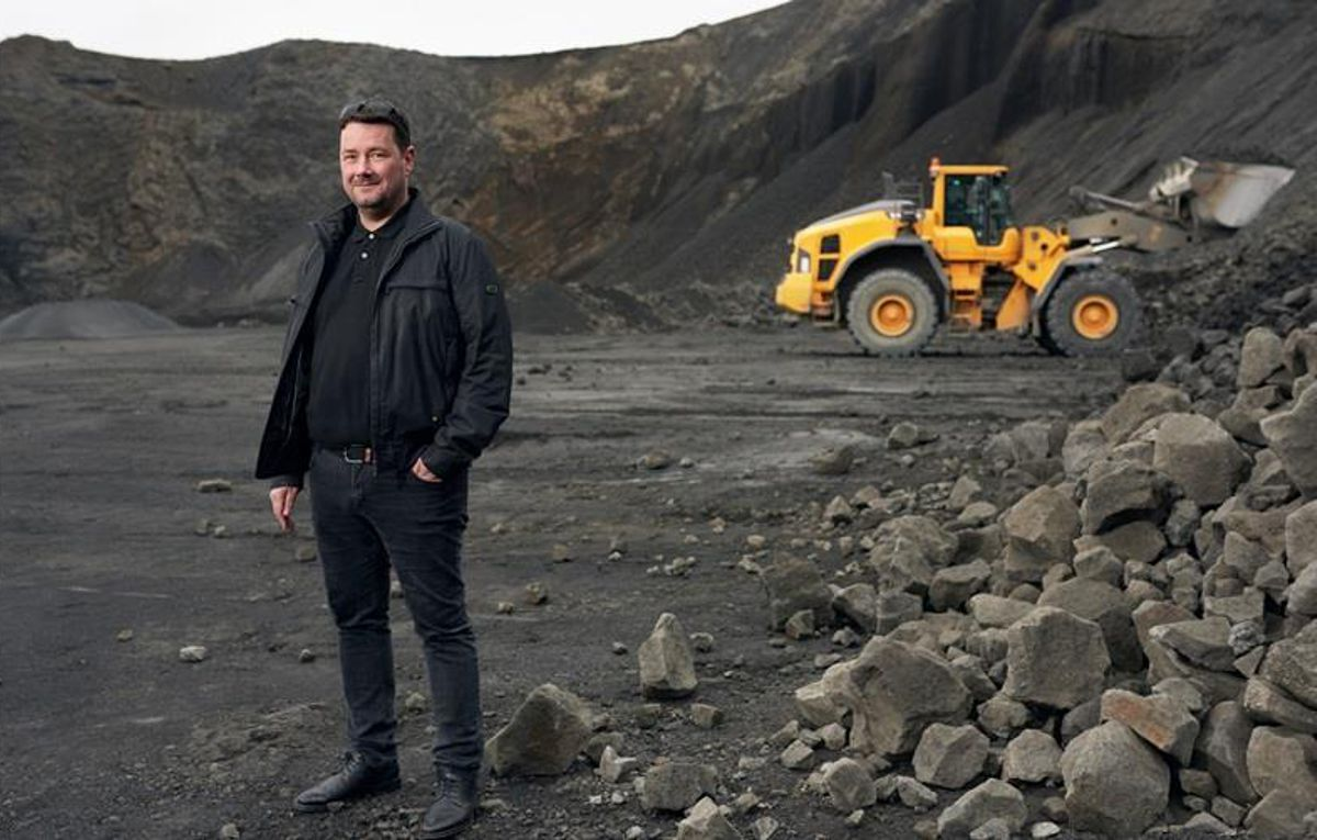 Volvo helps the iceman conquer the volcano