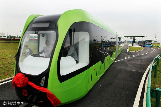 First railless train unveiled in CRRC Zhuzhou