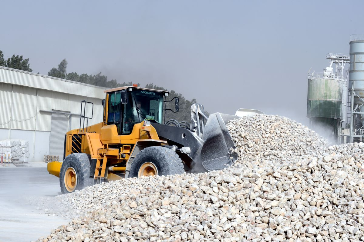 Required to work 12-hour shifts, the wheel loaders have clocked up more than 50,000 hours.