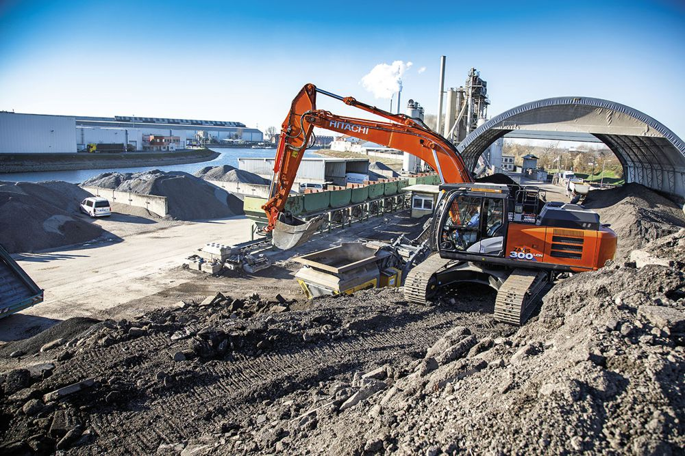 Hitachi ZX300LCN-6 Excavator