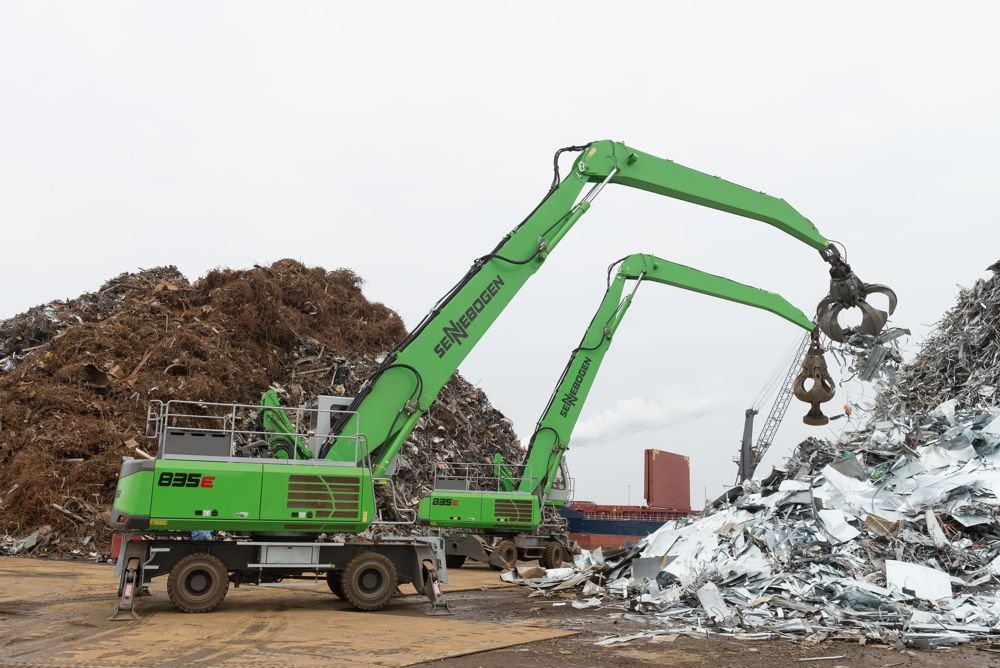 Two new SENNEBOGEN 835 material handlers have been sorting, feeding, and loading at Van Dalen Metals Recycling & Trading in Moerdijk, Netherlands since early 2016.
