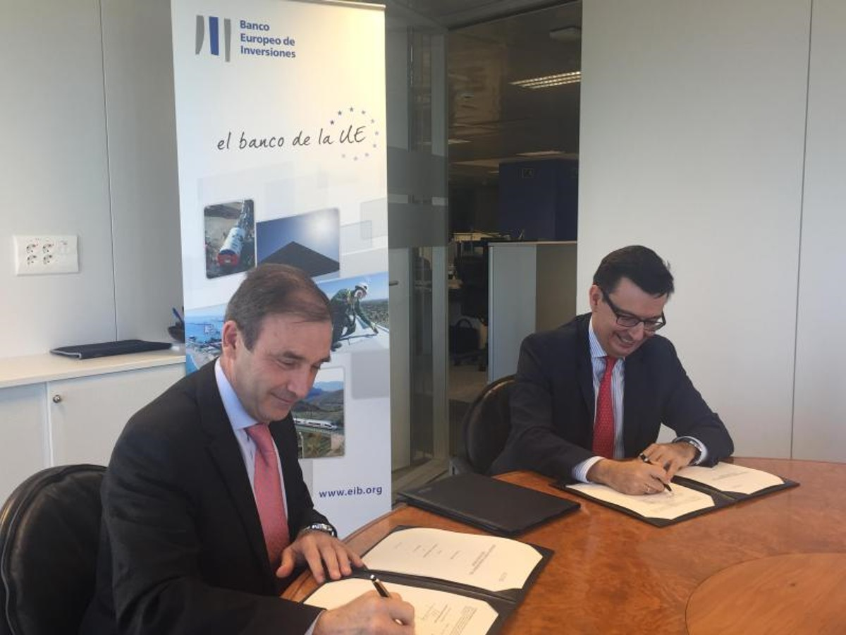 European Investment Bank signs €80m loan to finance research into environmentally friendly refuse lorries
