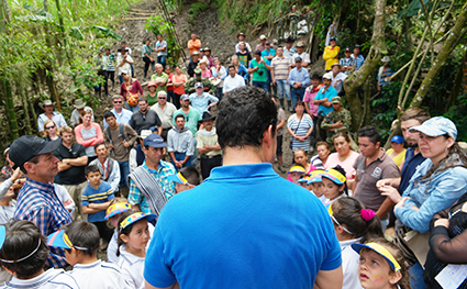 In 2016 a team from Parsons helped design and construct a 58 metre footbridge Colombia.