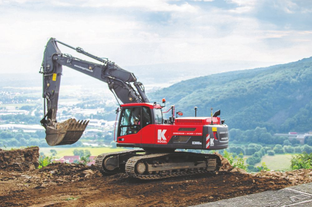 The Volvo EW210D wheeled excavator combines good digging performance and versatility to ensure the project is completed on time.