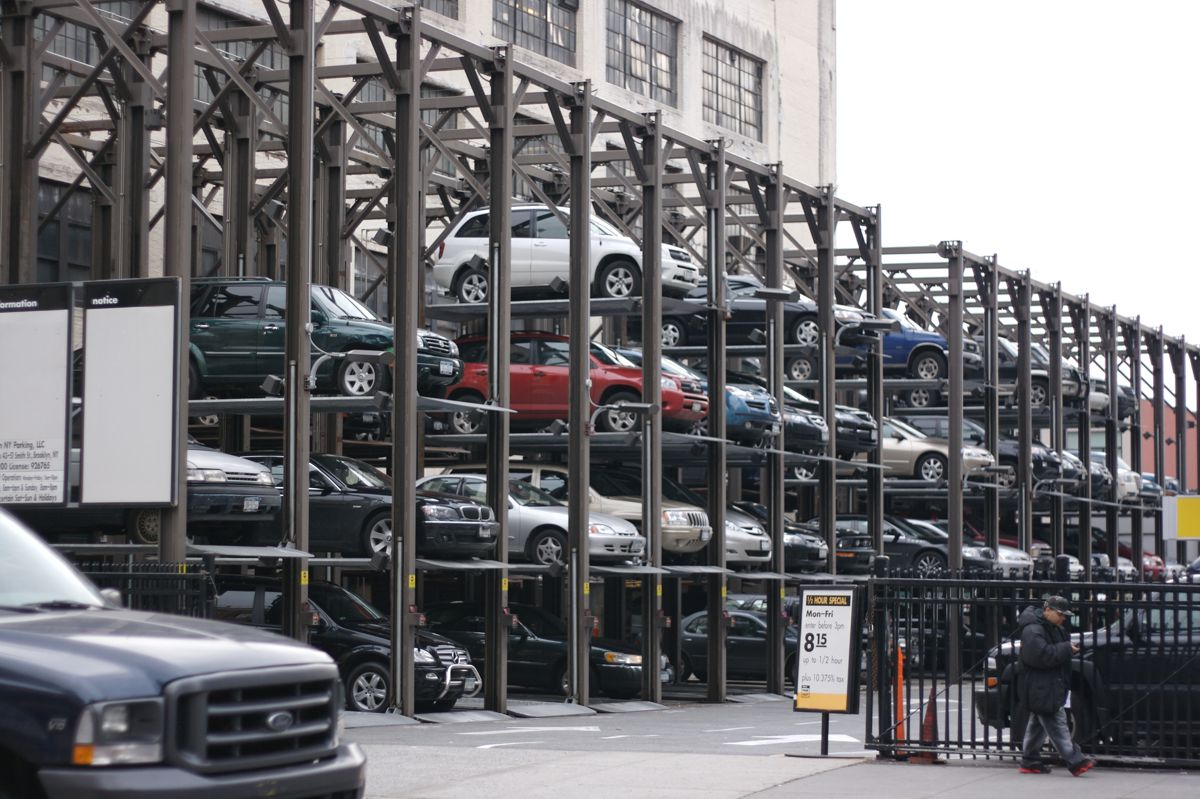 Searching for a parking space costs the UK £23.3 billion per year