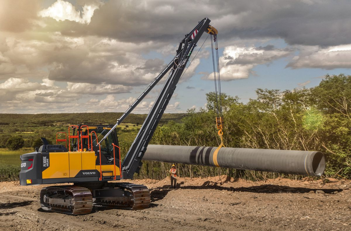 New Volvo PL3005E rotating pipelayer increases power and lifting capacity