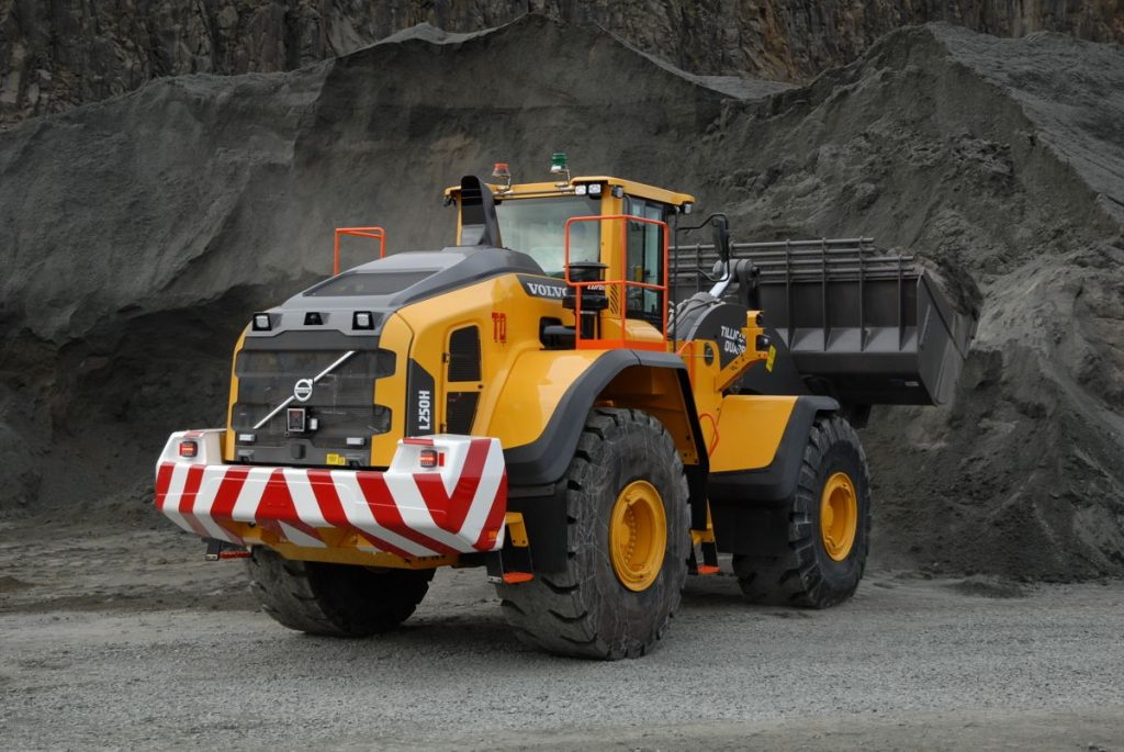 Tillicoultry Quarries in Scotland invests in a big 35 tonne Volvo L250H Loading Shovel