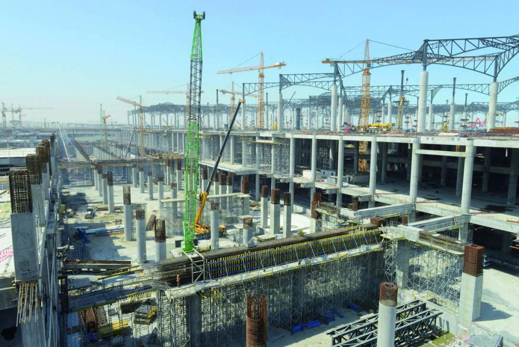 After only two and half years of construction, parts of Istanbul's new airport will open next year. For rapid progress on this build, the contractor is relying on the formwork solution from Doka. A total of 30,000 load-bearing tower frames will be used.