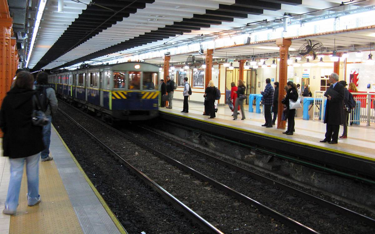 IDB funds General San Martin metropolitan area railway line US$400m improvements in Argentina