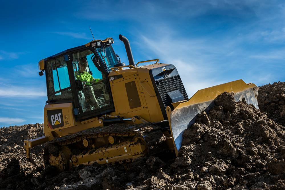 New Cat D6K fuel efficient dozer even more productive with GRADE Technology