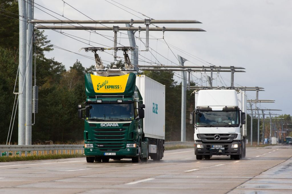 First infrastructure for electric trucks on a German autobahn for a sustainable freight transport by cutting energy consumption in half. Commissioning end of 2018