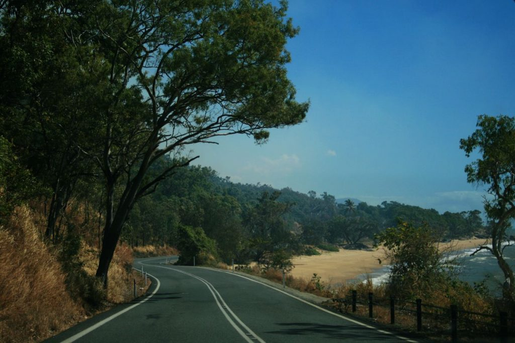 Queensland Road Australia - Photo by Adrien Lamotte