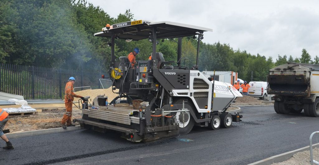 Saxby Surfacing celebrate 30 years in business with purchase of a Volvo P6870C ABG Paver