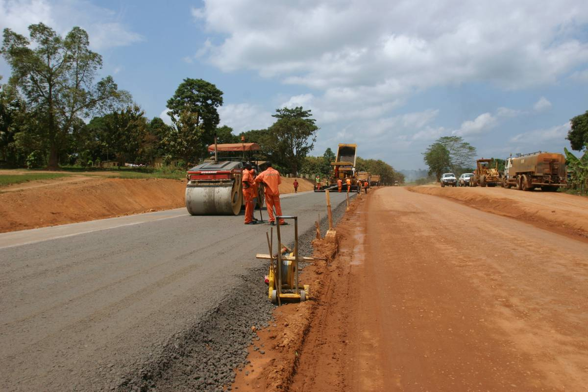 Fort Portal-Kamwenge Road in Uganda commissioned