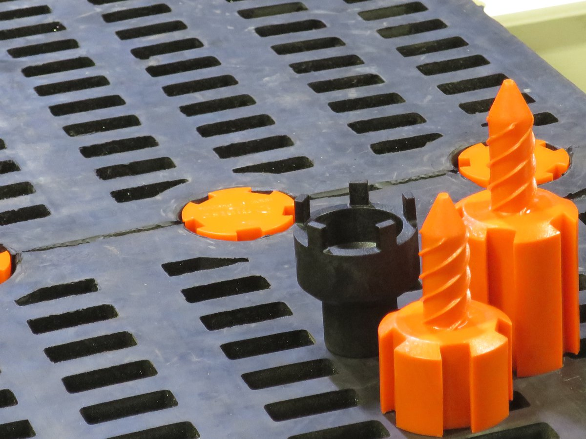 Metso makes screening media change-outs safer and faster with new attachment system