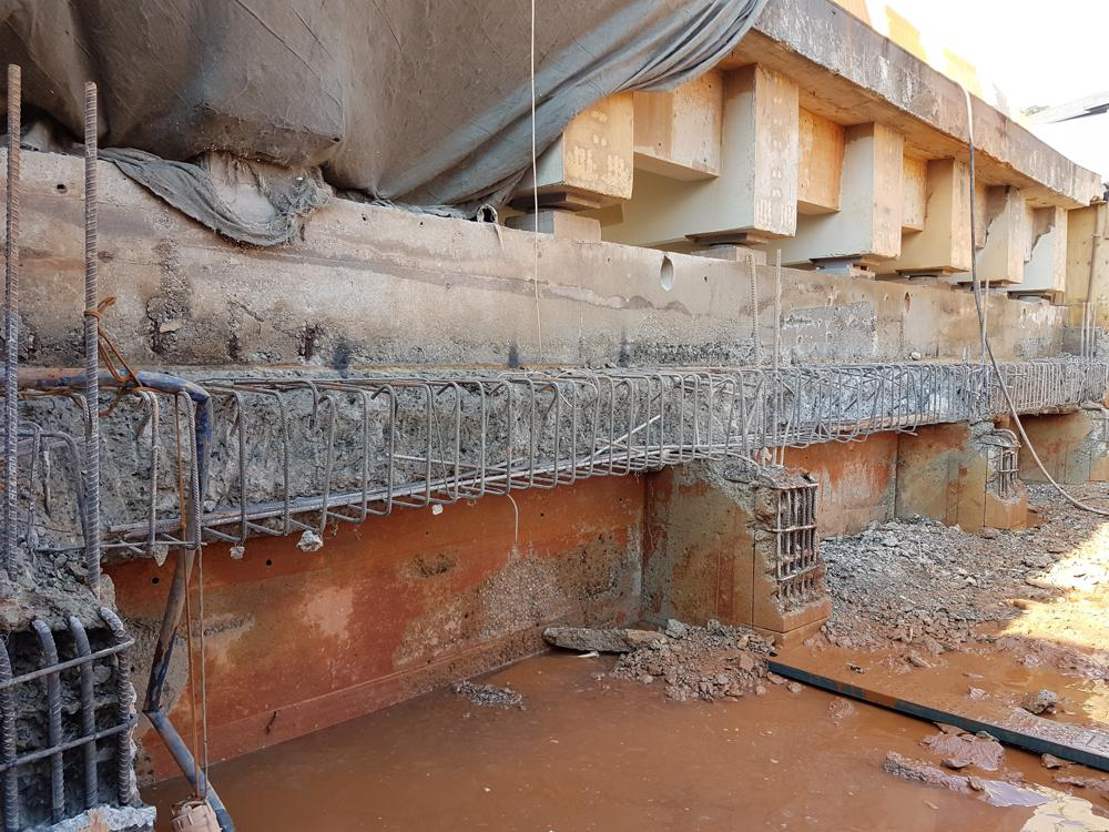Unlike conventional demolition methods like jackhammering, hydrodemolition does not damage the rebar or surrounding structure