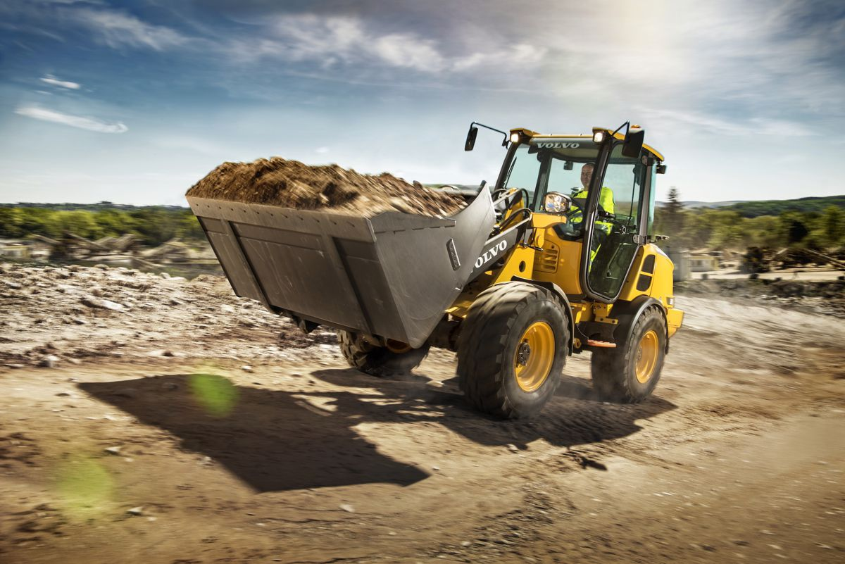 Volvo CE debuts L20H and L25H compact wheel loaders at ICUEE 2017 in US