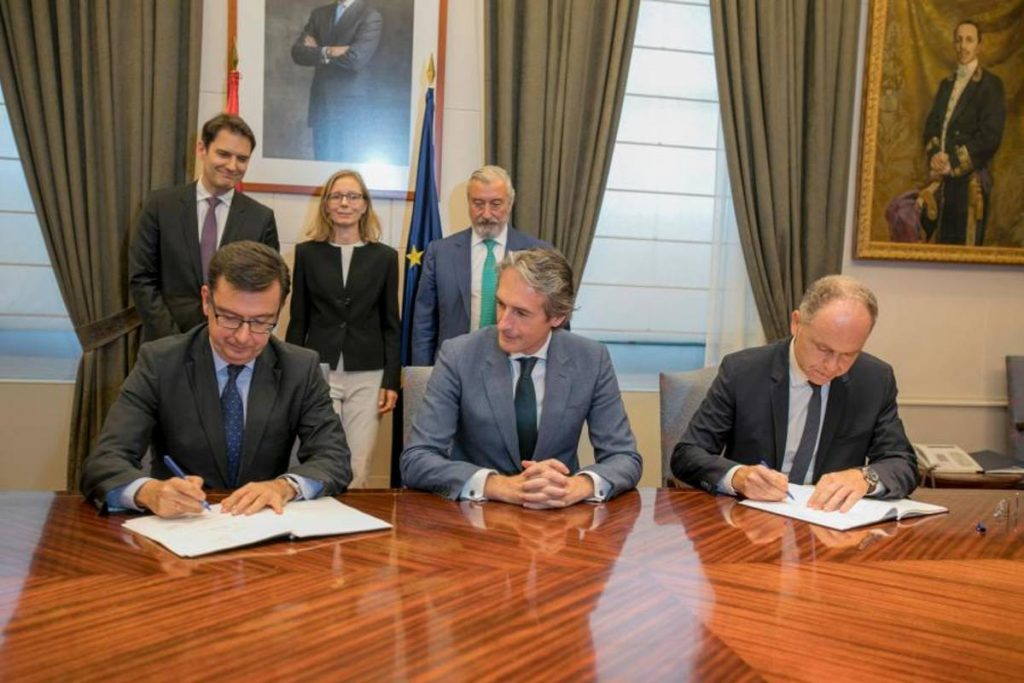 EIB signs a EUR 600m loan with Adif AV to finance the Y Vasca high-speed rail line