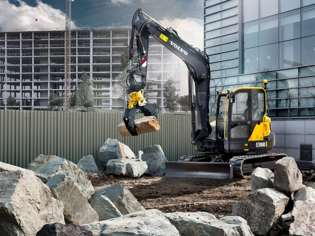 The ECR88D mini-digger is fitted with a Diesel Particulate Filter as standard, making it ideal for use in Low Emission Zones.