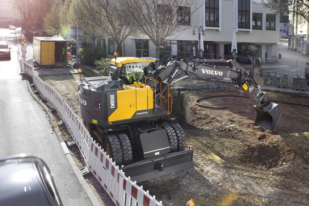 The EWR150E wheeled excavator is fitted with a Diesel Particulate Filter as standard.