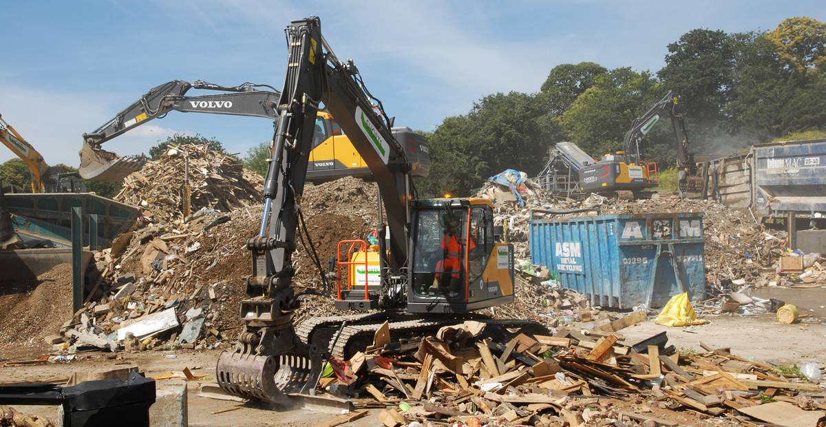 Shorts Group adds fourth short radius ECR235 Excavator to its fleet
