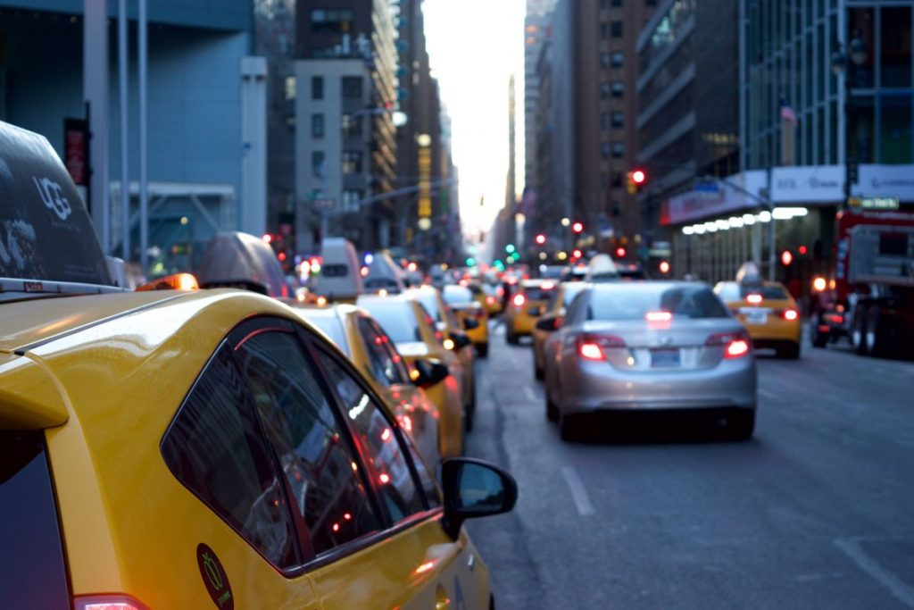 Traffic jams and congestion cost the UK £30 billion a year