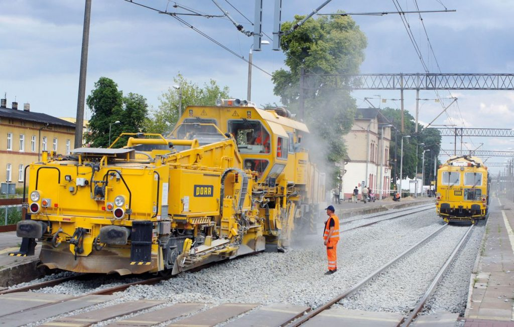 The PORR railway construction team in Poland enjoys success with its technological solution that allows track closures to be kept to a minimum.