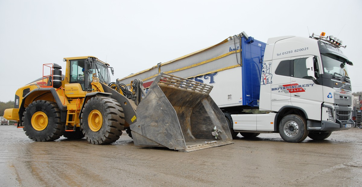Volvo loading shovels at Britaniacrest Recycling increase productivity