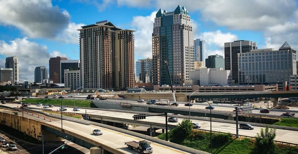 Highway connecting to the I-4 close to the Amray centre, downtown Orlando