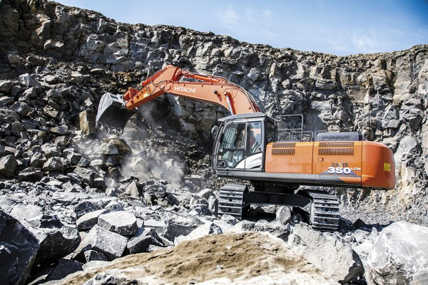 Hitachi ZX350LCN-6s Excavators deliver reliability to Italian quarry