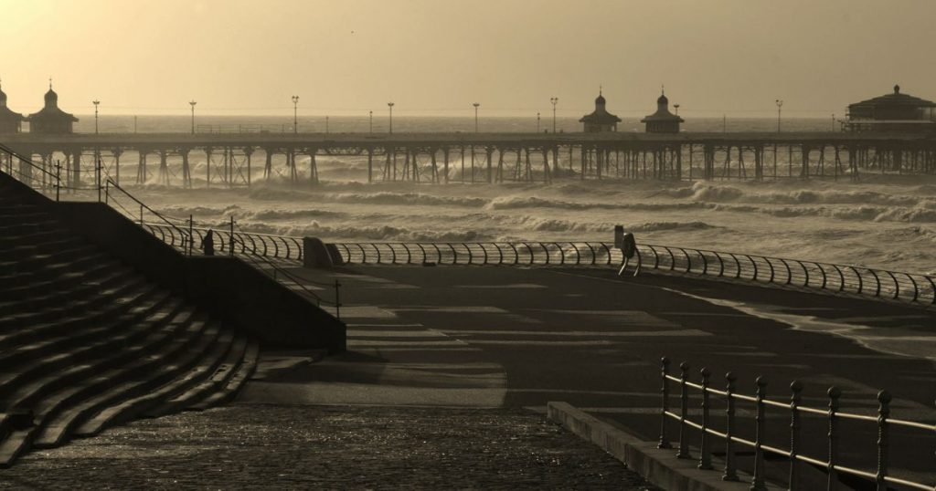 North Pier Blackpool - Photo by Gidzy