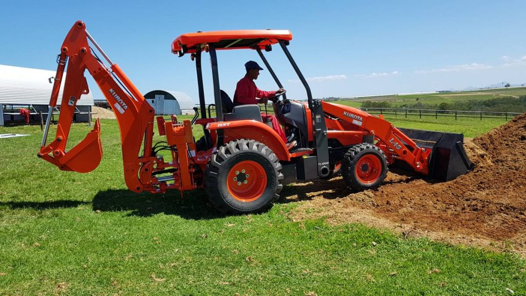 One of the key drivers in 2Hire opting for the Kubota L45 was its compact size that allows it to be operated in smaller areas, especially inside buildings