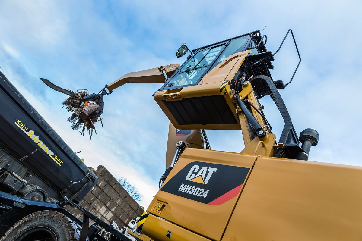 New Cat wheeled Material Handlers get application-specific design