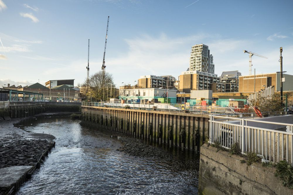 Tideway branded site office accommodation provided by Balfour Beatty Plant and Fleet services business on the West section of the Thames Tideway Tunnel project
