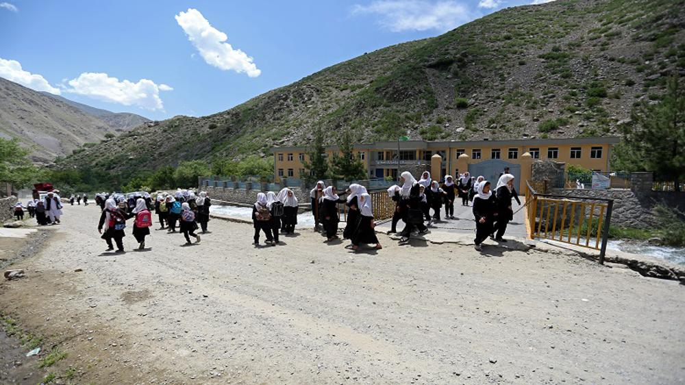 The rehabilitation of the Parandi valley road in Panjshir Province encourages valley inhabitants to send their children to school, especially girls. Thanks to the support provided by the Afghanistan Rural Access Project, villagers can now take their children by car or motorcycle to school. Photo Credit: Rumi Consultancy/ World Bank