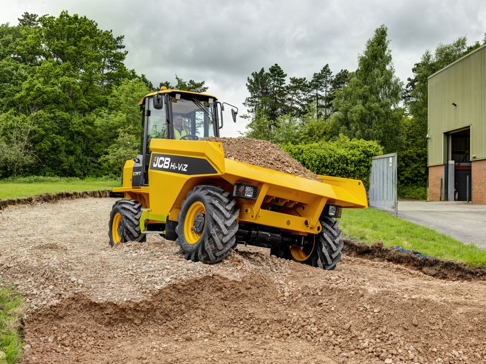 JCB celebrates the New Year with a 3.9% pay rise for their employees