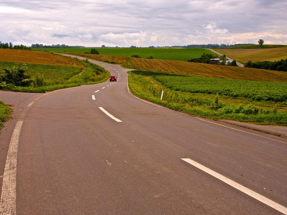 Hill Road - Photo by Syuzo Tsushima