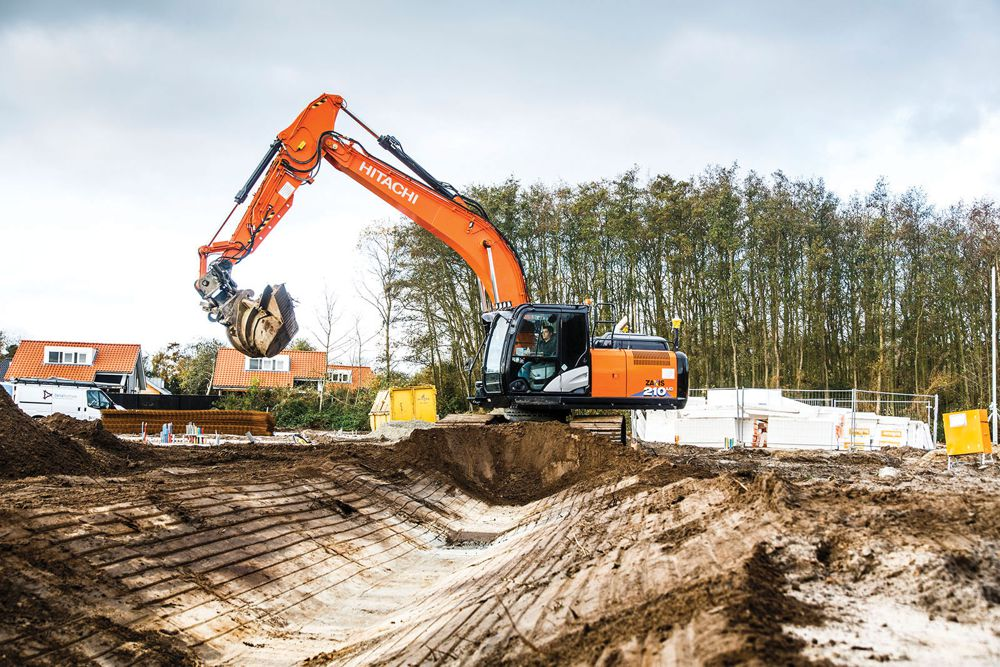 Arco de Visser remains loyal to Hitachi Construction Machines