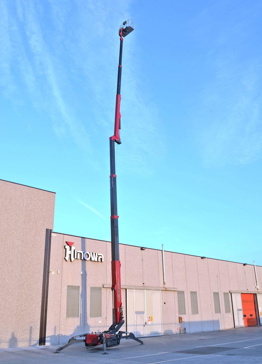 Hinowa Lightlift tracked aerial platform wins Intermat Innovation Award